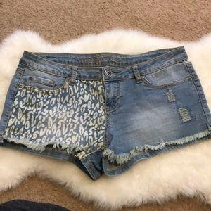 VINTAGE Low Rise Denim Jean Shorts 11